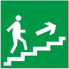 Знак Е15 - Направление к эвакуационному выходу по лестнице вверх направо